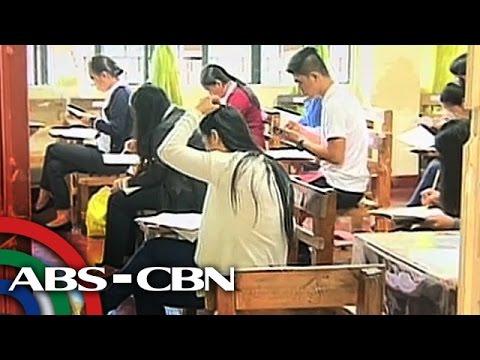 TV Patrol: Bilang ng kumukuha ng college entrance exams, bumaba