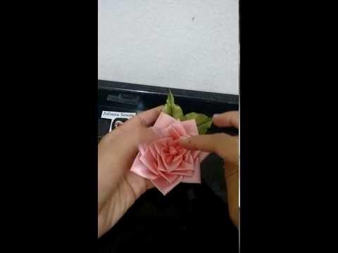 flor de fita de cetim(Satin tape blossom)