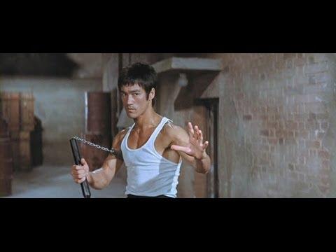 Брюс Ли с нунчаками против чемпиона мира по настольному теннису с ракеткой