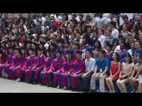 My life in GDUFS - 我的生活经历在广东外语外贸大学 /广外