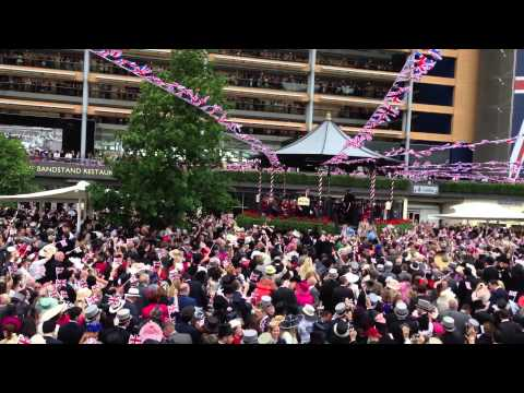 Royal Ascot 2013 Singing Around The Bandstand.