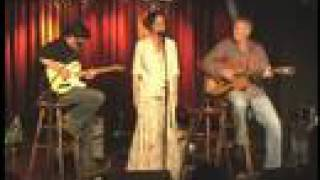 Annie Sellick, Pat Bergeson, Tommy Emmanuel: Blue Moon.mp3