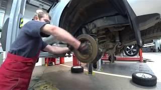 Тойота Центр Люберцы. LC 150 обслуживание тормозных механизмов.