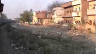 Departing Varanasi City, and circling a gigantic curve.. GD WDM-2B ruling NER's diesel territory