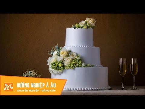 Cách trang trí bánh kem cưới bằng hoa tươi sang trọng | Học làm bánh kem