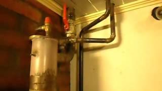Гравитационная система отопления двухэтажного дома твердотопливным котлом.(, 2015-10-03T14:34:14.000Z)