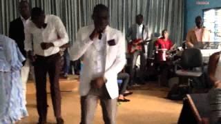 vuclip Chantre Papa Zito en concert de reconnaissance à la MEPEV