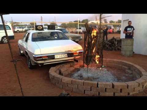 Hard revving classics and a fire-lighting exhaust flame thrower #Upington expo 2015