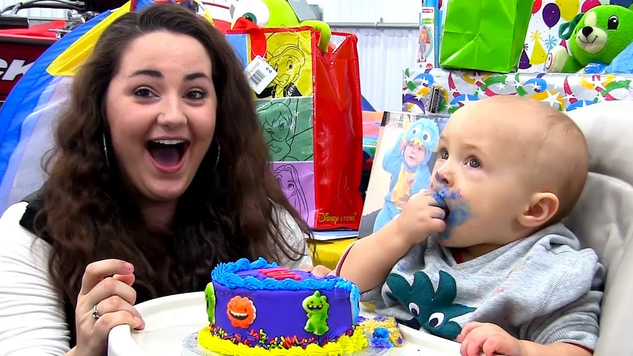 Baby Offers Woman Cake Youtube