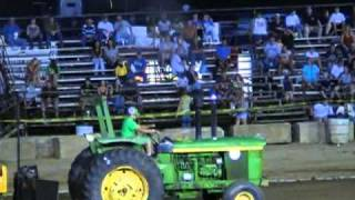Video PART OF THE 15,000LB FARM STOCK TRACTOR CLASS CONNERSVILLE, IN 2010.mpg download MP3, 3GP, MP4, WEBM, AVI, FLV Oktober 2018