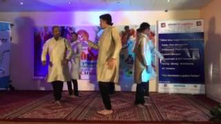 Parvanendu mukhi tiruvathita performance by gents