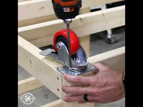 how-to-build-a-diy-workbench-/-work-table-from-2x4's