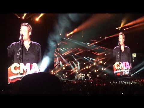 Blake Shelton - Boys 'Round Here - CMA Fest 2017