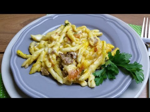 Pasta al forno con crema di zucca e salsiccia