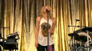 Shakira - Islands ( Cover xx) Glatonbury festival 2010 HQ
