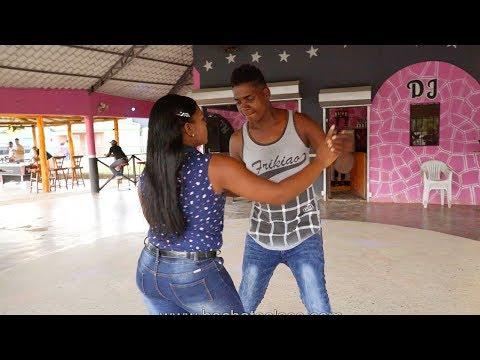 Bailando Bachata R. Dominicana