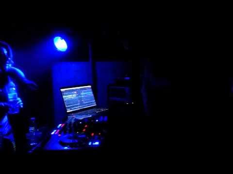 DJ Karlitos - Moura Morta