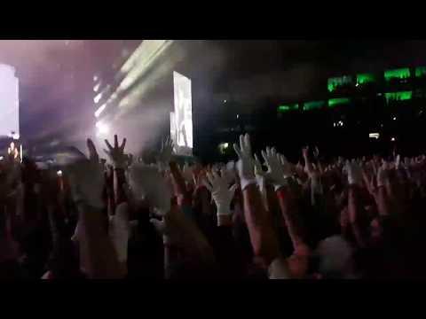 Depeche Mode - Budapest 2017 Fehér Kesztyűs Integetés