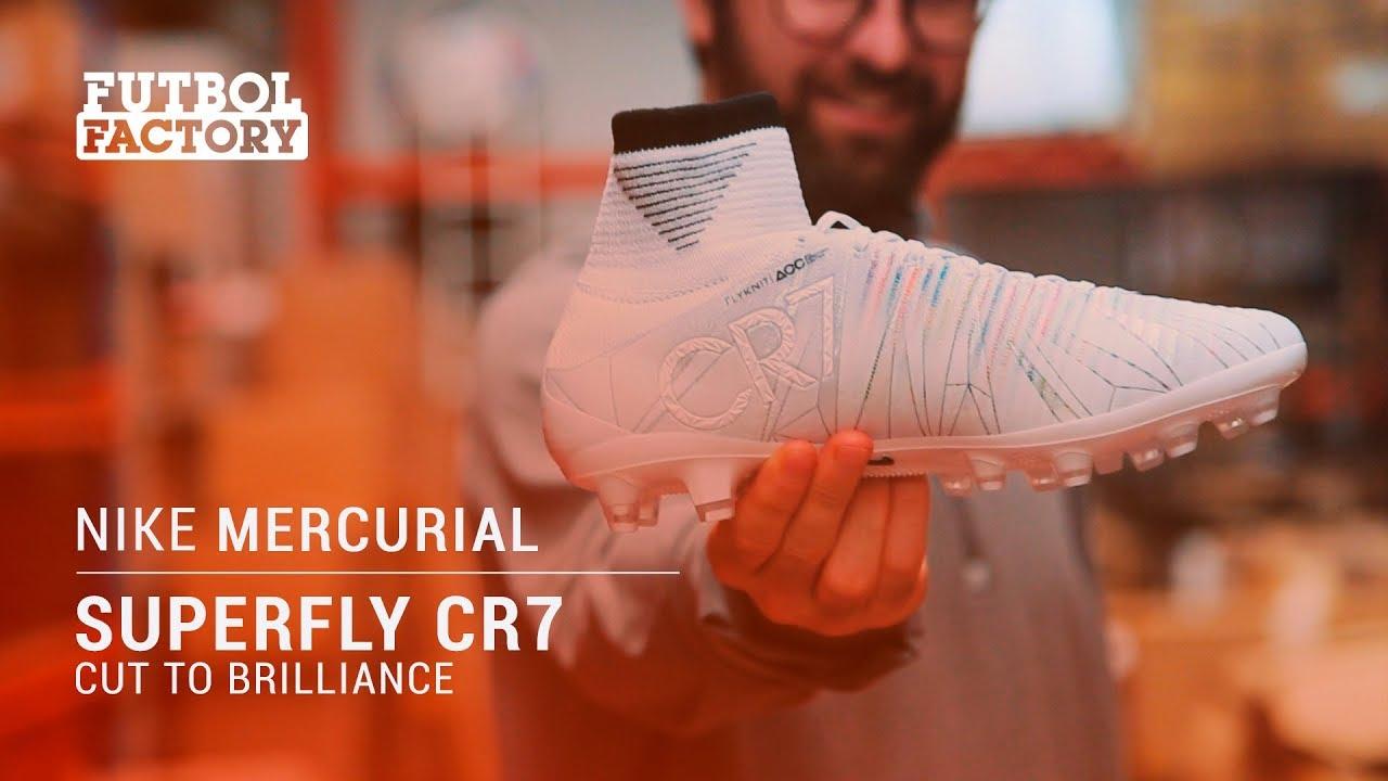 c7b5e12cdc Las nuevas botas de Cristiano Ronaldo  Nike Mercurial Superfly CR7 - CUT TO  BRILLIANCE