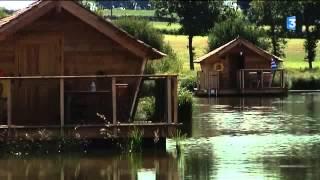 L'avis des premiers touristes au village flottant de Pressac (86)