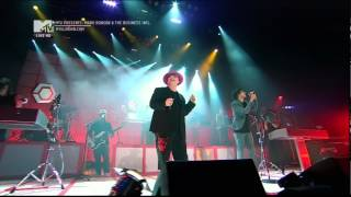 Boy George & Mark Ronson - Somebody to love me. MTV live (HD)