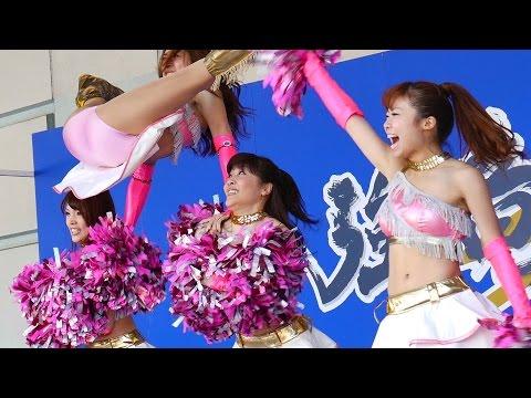 もんのすごい大開脚ジャンプが炸裂するチアダンスショー!!