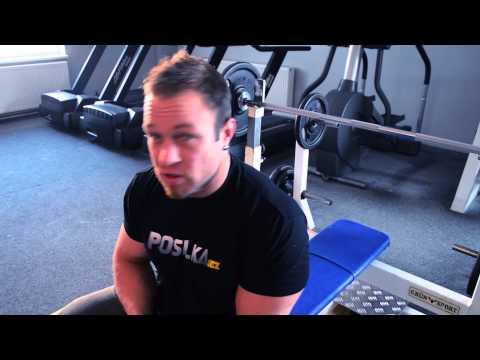 Posilka.cz - Filip Grznár - cvik na prsa bench press