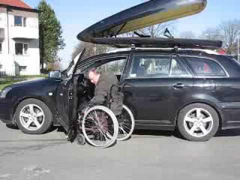 handi mobil coffre box de toit pour charger le fauteuil roulant sur le v hicule sans. Black Bedroom Furniture Sets. Home Design Ideas