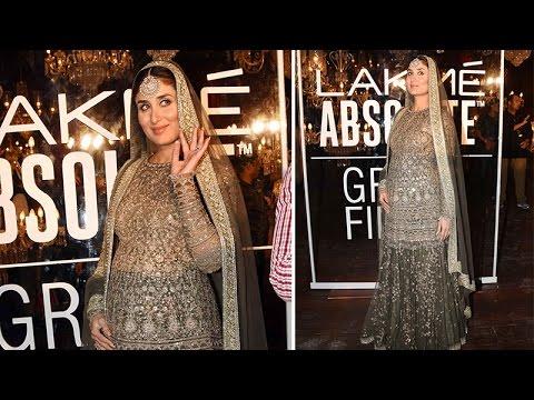 Kareena Kapoor Khan flaunts her baby bump as she walks at Lakme Fashion Week 2016 Grand Finale