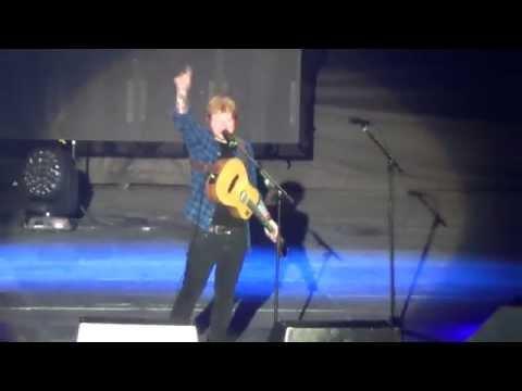 Ed Sheeran - Sing (live Milano)