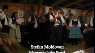 "Magyarpalatka perform ""Korcsos""!"