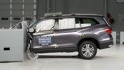 2016 Honda Pilot driver-side small overlap IIHS crash test
