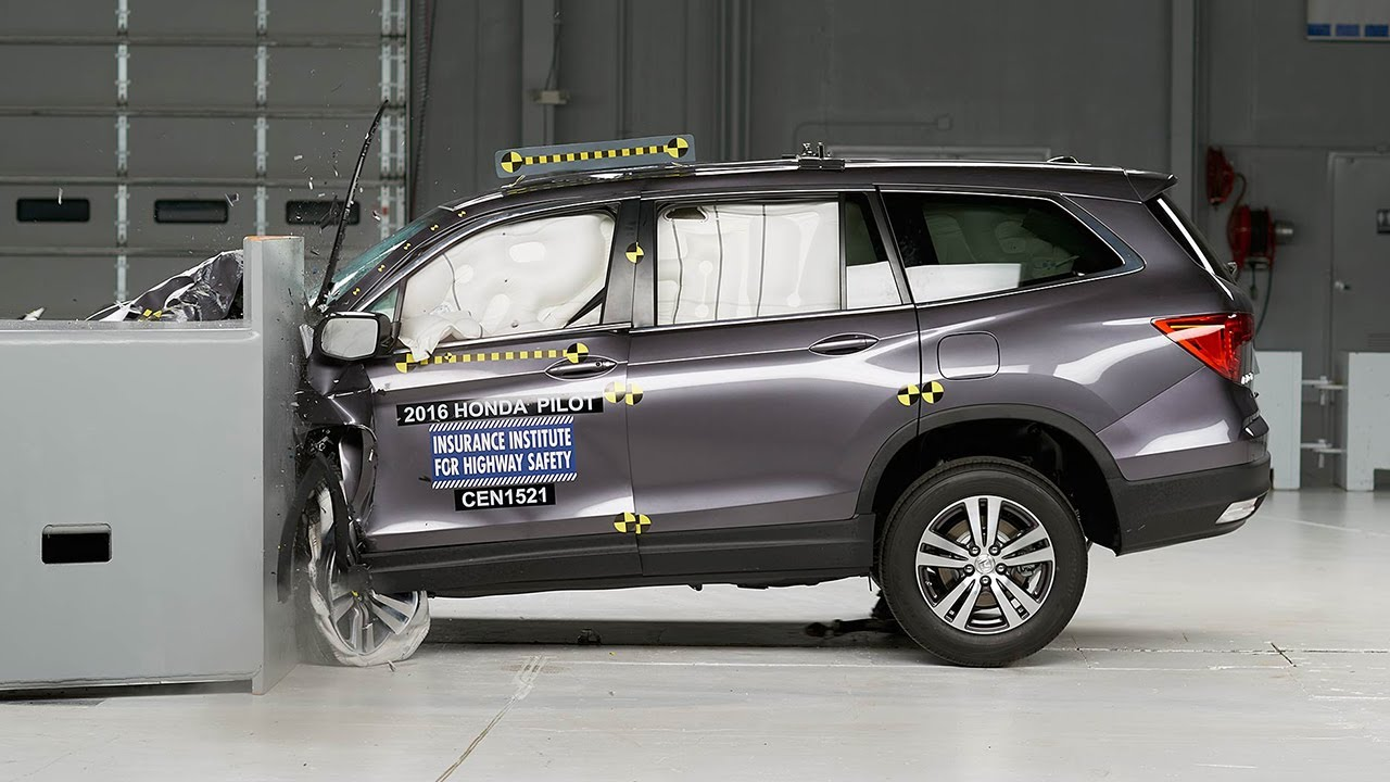 2016 honda pilot driver side small overlap iihs crash test for Iihs honda crv