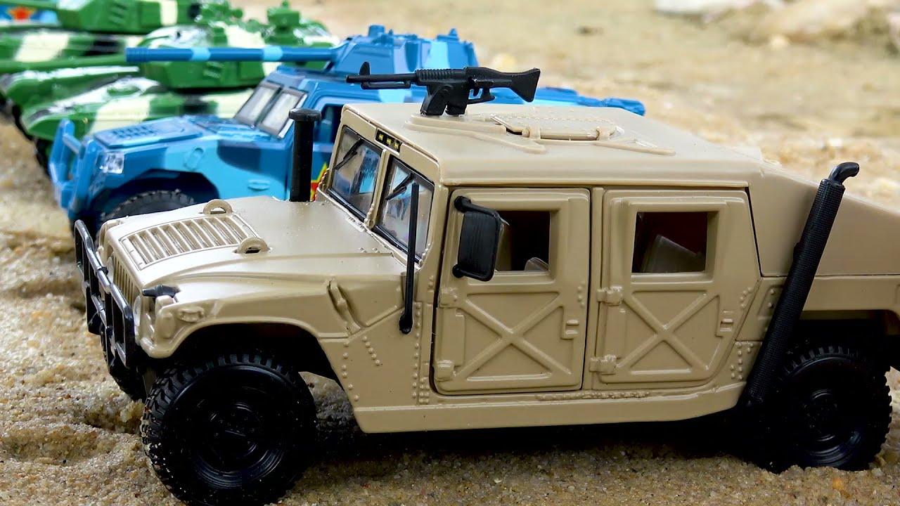 Menemukan dan Membersihkan Mainan Tank, Truk sampah, Road roller dan Kendaraan Konstruksi