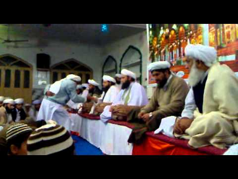 BABA NASEEM ULLAH Hand shaking over mureedan then mureedan heart given NAME OF ALLAH HOO