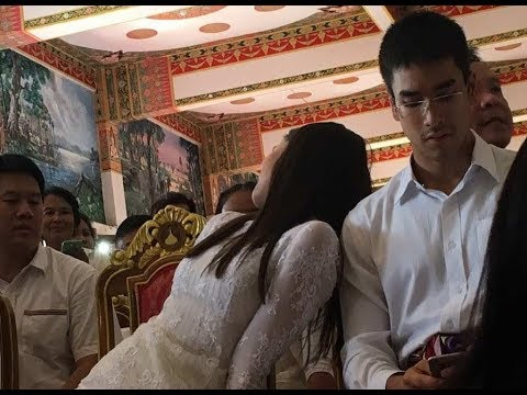 Nadech YaYa Kathin 2017 during the break