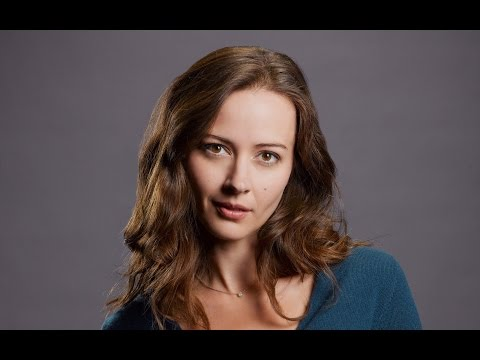 New Trend - History of Amy Acker