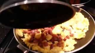 How to make scrambled eggs with sausage