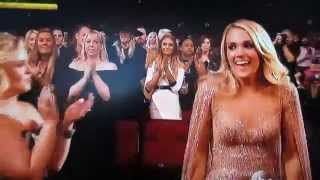 Carrie Underwood wins Fav Country Female at 2015 AMAs