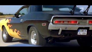 '71 Dodge Challenger In Road Race
