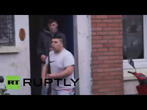 Guns Out Tensions High: Calais locals fight with pro-refugees at rally