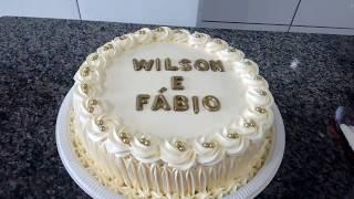 DECORANDO BOLO COM BICO 1M DA WILTON por Inês Teles