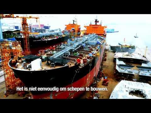 Een containership met een lengte van twee voetbalvelden | World's Biggest Ship Builders