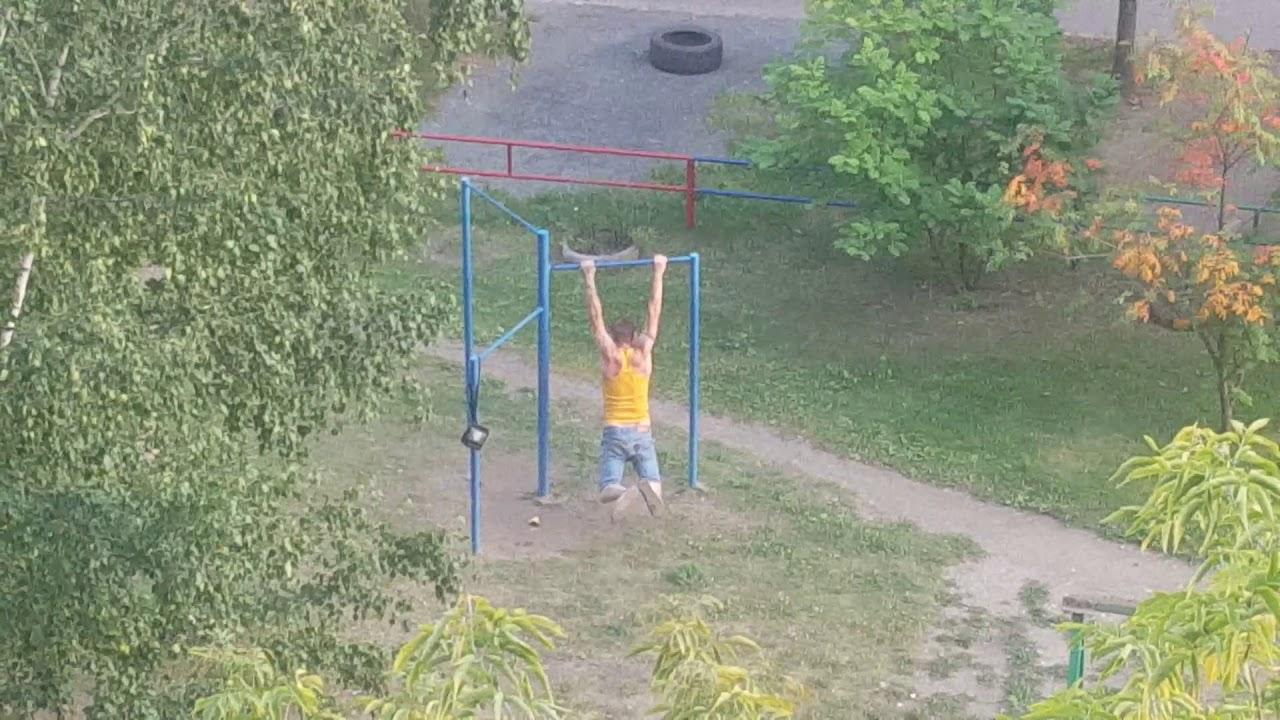 Нарик в Челябинске тренируется под спайсом!