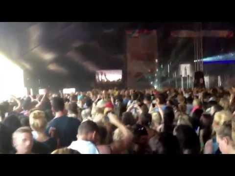 Calvin Harris - Spectrum (Say My Name) @Wireless20