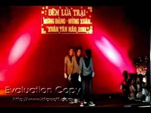 """binh khanh nhảy """"đại"""" 12a4 2010.mpg"""