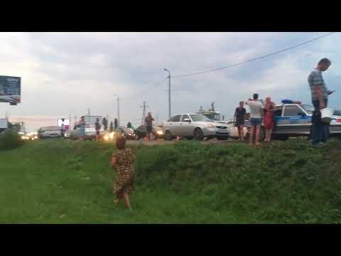 Автокатастрофа в Саратове. Первернулись Лексус и Волга, погиб подросток