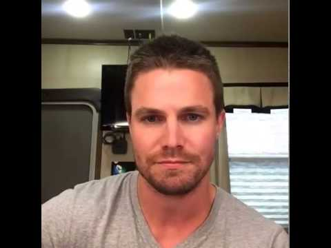 Stephen Amell The Amell Facebook Sessions