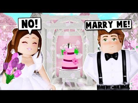 I GOT MARRIED ON BLOXBURG Roblox