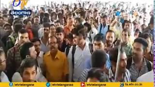 No Job Mela @ Nampally Exhibition Ground | Aspirants Fires on Organisers | Hyderabad